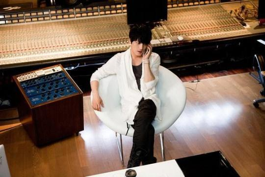 JYJキム・ジェジュン、主演映画「ジャッカルが来る」のOSTに参加!作詞・作曲も手がける