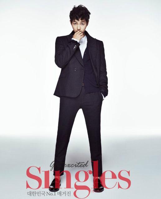 ソン・ジュンギ韓国雑誌「Singles」12月号グラビア写真3