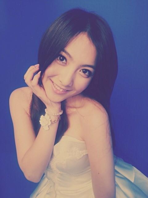KARA(カラ)カン・ジヨン、少し大人っぽくなった?純白のドレス姿を公開