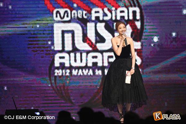 2012MAMA_1stshow_HanChaeYoung
