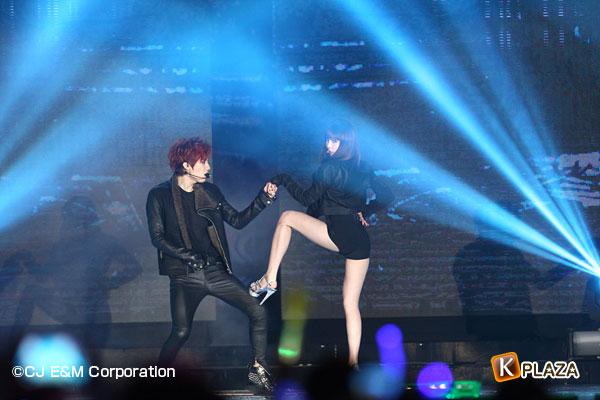 2012MAMA_1stshow_Troublemaker-(1)