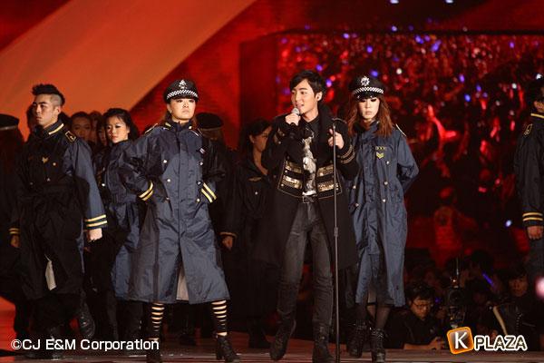 2012 Mnet Asian Music Awards in 香港 フォトギャラリー ロイ・キム編