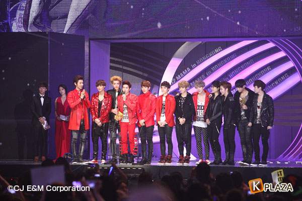 2012MAMA_3rdshow_EXO-(1)