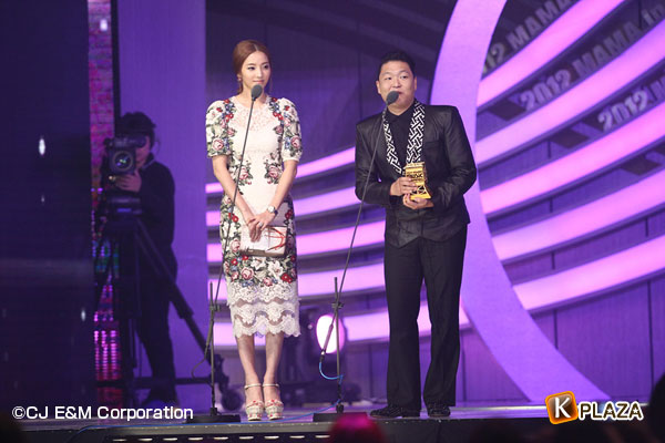 2012 Mnet Asian Music Awards in 香港 フォトギャラリー チョン・ウンジ、ハン・ガイン、チェ・ジウ、ハン・イェスル、ハン・チェヨン編