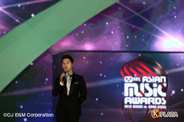 2012MAMA_4thshow_Songjoonggi