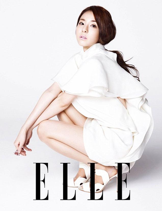 2NE1 ダラ(サンダラ・パク)、韓国雑誌ELLEで清楚な魅力発散!