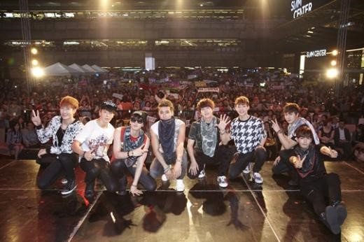 SUPER JUNIOR-M、タイでの初ファンミーティングで5千人のファンが熱狂!