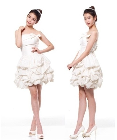 歌手IU(アイユ)、春の花嫁に変身!