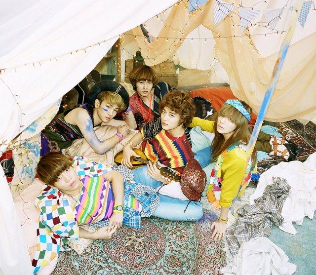 SHINeeリパッケージアルバム発売、ジョンヒョン以外の4人で活動再開