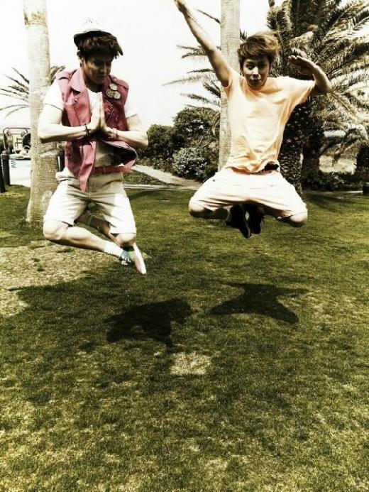 BEAST(ビースト)ヨン・ジュンヒョンとヤン・ヨソプ、済州島で空中浮遊?