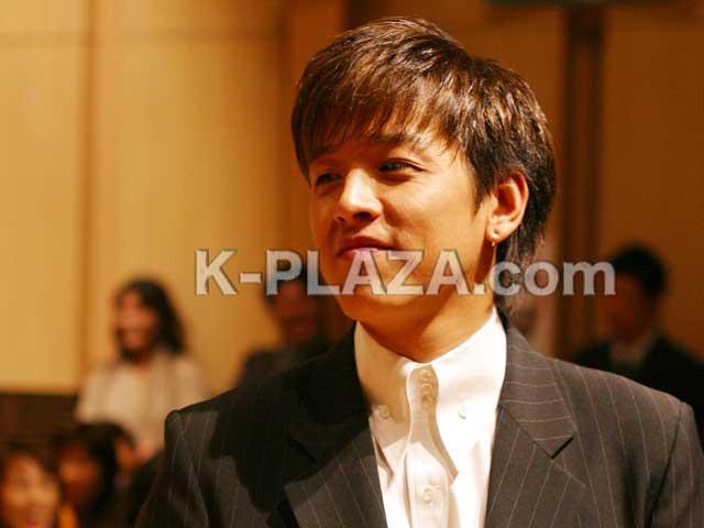 リュ・シウォン、離婚調停中の妻から脅迫容疑で訴えられる
