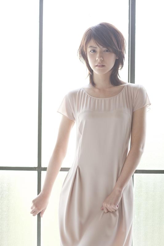 韓国の芸能界で積極的に活動中の藤井美菜、神話(SHINWHA)のプロモーションビデオに出演