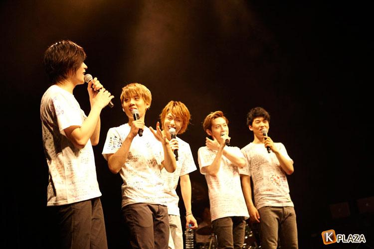 SHU-Iメジャーデビュー2周年!記念ライブでジャンプ!!