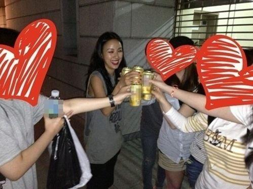 イ・ヒョリ、ファンとのビールパーティで満面の笑み!