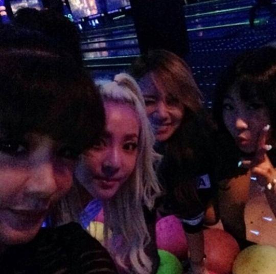 2NE1ボム、メンバー全員でオフに仲良くボーリング