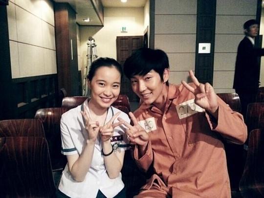 「宮廷女官チャングムの誓い」チャングム子役の10年後の姿をイ・ジュンギが大公開!
