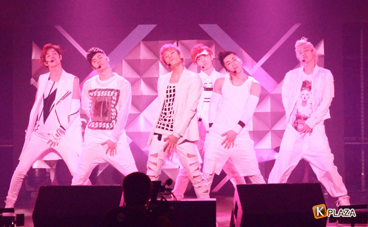 CROSS GENE日本公演「CROSS GENE JAPAN LIVE-WITH U-」開催!