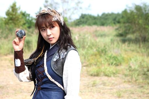 女優ハ・ジウォン、新個人芸能事務所「太陽と月」設立!