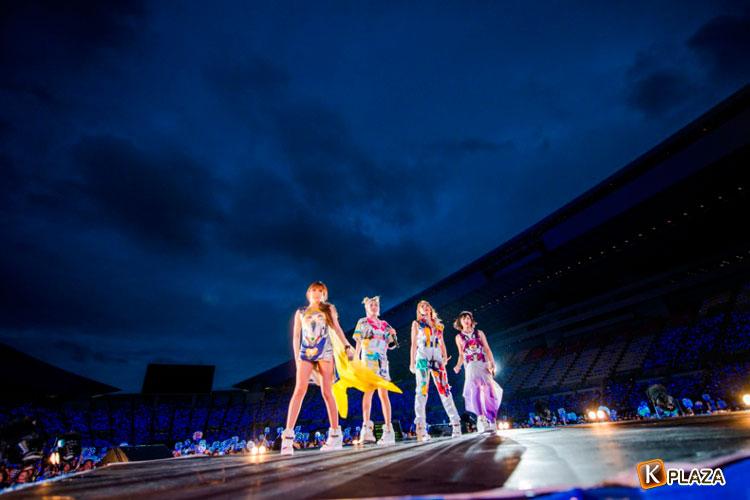 2NE1、初出演となる「a-nation stadium fes. powered by ウイダーinゼリー」で55,000人を魅了!