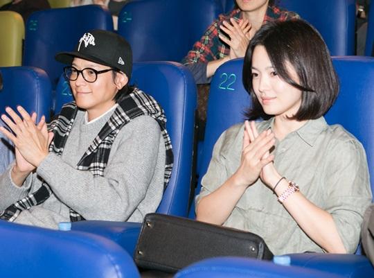 カン・ドンウォン&ソン・ヘギョ、2人仲良く映画試写会に!まるでカップル?!