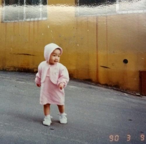 少女時代テヨン、23年前のキュートな赤ちゃん時代の写真を公開!
