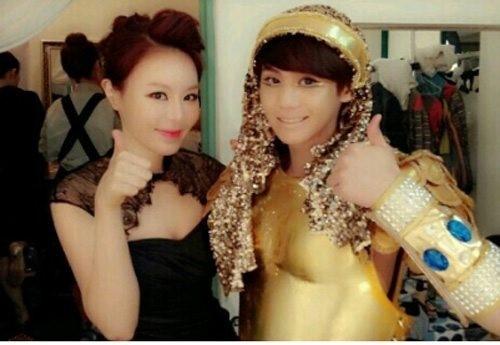 BEASTヨソプ&LISA、出演ミュージカルの衣装で撮ったツーショット写真がまるで本当の姉弟みたい?!