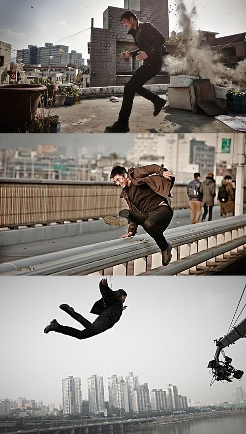 コン・ユ「容疑者」で初アクション、臨場感あふれるスチールカット公開!