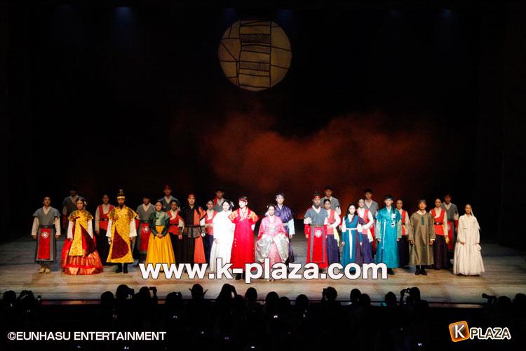 超新星ソンジェ熱演!ミュージカル「太陽を抱く月」が開幕!