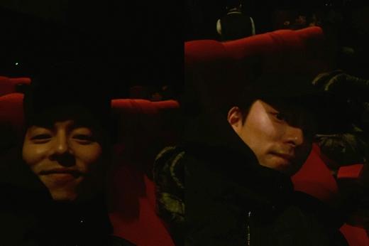 コン・ユ、映画「容疑者」観覧認証ショット公開!ブラックコーデでかっこよさキラリ