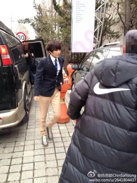 SHINeeテミン、制服を着たのは「2013 SBS歌謡大典」でパロディをするため!?