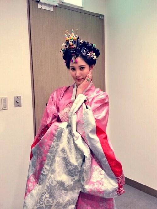 少女時代ソヒョン、初ミュージカル主演「太陽を抱いた月」の認証ショット公開!