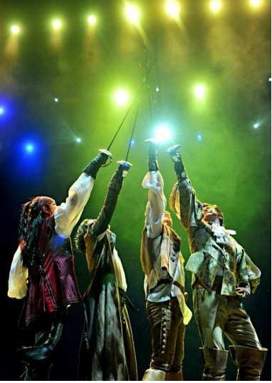 ミュージカル『三銃士』が新たなキャストを迎えて待望の再演決定!