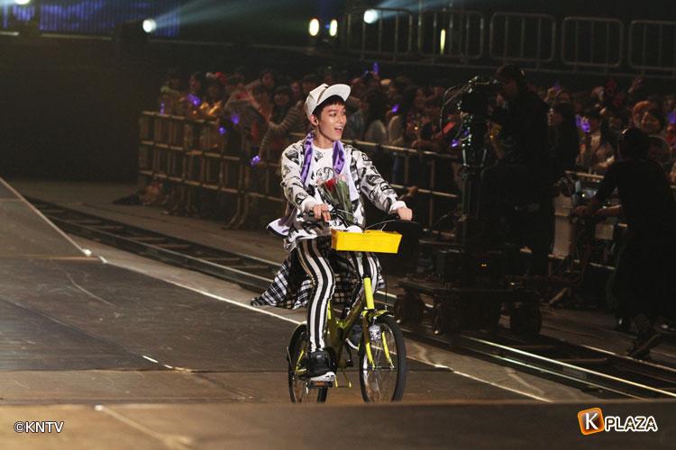 TEENTOP自転車3